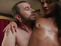 Stunning brunette enjoy being fucked roughly by big-dicked dude