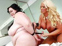 Chubby amateur slut Eliza Allure licks wet pussy of Alura Jensen