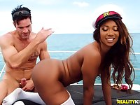 Bodybuilder Charles Dera is doing Skyler Nicole onboard