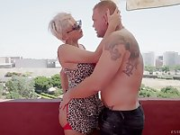 Juggy hooker with plump ass Amaranta Hank is fucked by one brutal jock