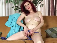 Mom puts a vibrator in her panties to play solo