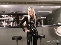 Classy latex barmaid Chritianas high heels and tall slim