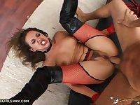 Hot ass Poppy demanding more hardcore anal smashing