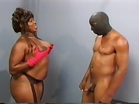 Plumper slut humping with masked man