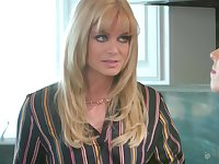 Mature lesbian Serene Siren scissors with teen blonde Riley Anne