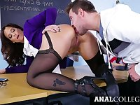 Appetizing bosomy Syren De Mer gets her twat stretched on the table