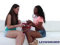 Bootylicious lesbian girl licks yummy pussy of white girlfriend Kate Alton