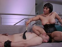 Busty mistress ass fucks her man before face sitting him