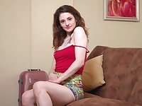 Torrid chick Anita Rose just knows that nothing is better than masturbation