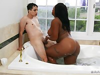 Interracial sex in the shower between a white dick and Jayden Starr