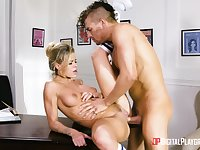 Man deep fucks the hot secretary and cums on her clit