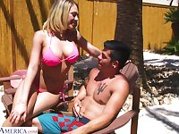 Juggy blonde in bikini Kagney Linn Karter bangs one dude by the poolside