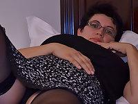 Horny Houswife Gettin' All Naughty - MatureNL